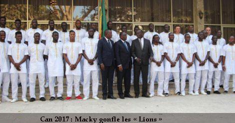 """CAN 2017 : Macky Sall appelle à une """"union sacrée"""" autour des lions"""