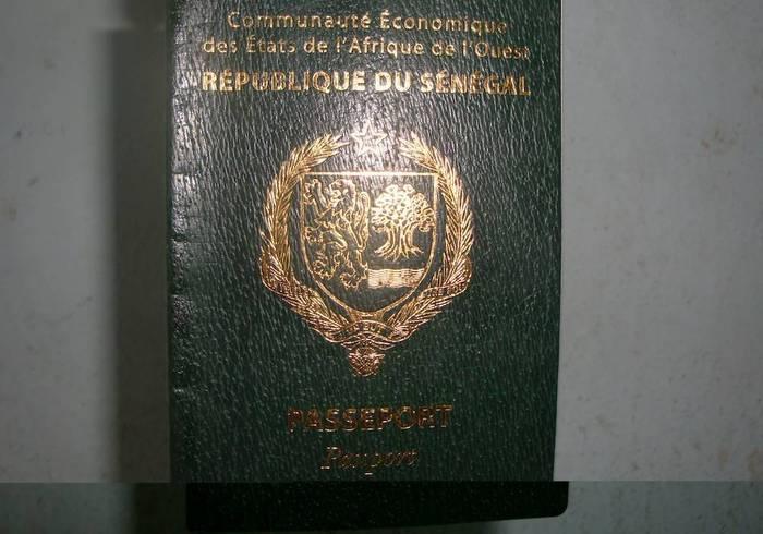 Divers: La DIC démantèle un réseau de fabriquant de passeports