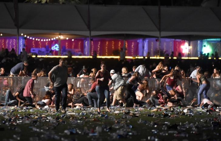 Las Vegas : la fusillade la plus meurtrière de l'histoire des Etats-Unis au moins 50 morts( Le Parisien)