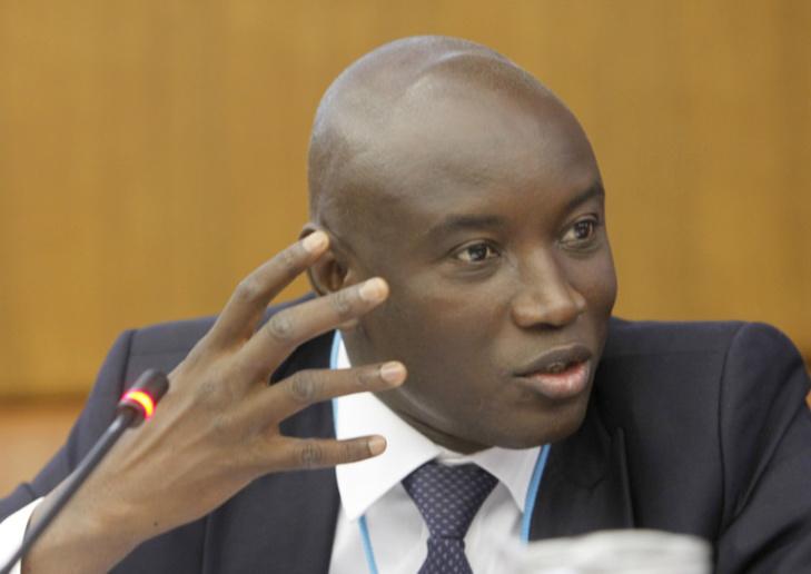 Penchant pyromane de Wade: Aly Ngouille Ndiaye sort enfin l'arrêté pour interdire la vente de carburant en détails (Document)