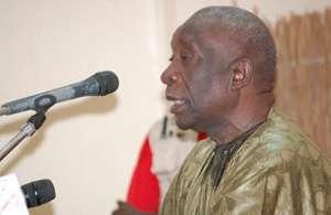 Recevant Idrissa Seck à son domicile aux Hlm5, Haj Mansour Mbaye dira : « Je ne m'en cache point, je te porte dans mon coeur »