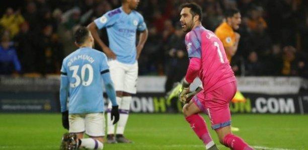 Premier League : battu à Wolverhampton après avoir mené 2-0, Manchester City laisse Liverpool s'envoler dans la course au titre