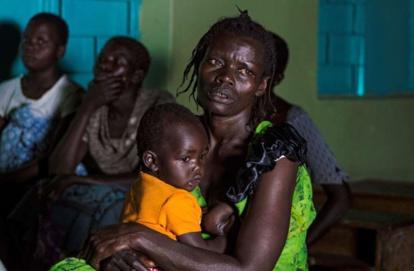 En Ouganda, ces hommes qui exigent d'être allaités