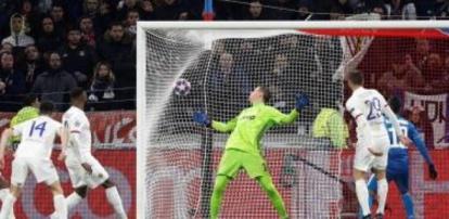 Ligue des champions : Lyon bat la Juventus Turin et s'offre la première manche