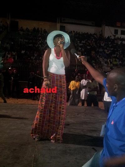Aida Samb ,la nouvelle voix suave de Prince Art qui continue de faire ses preuves en séduisant le peuple Sénégalais .