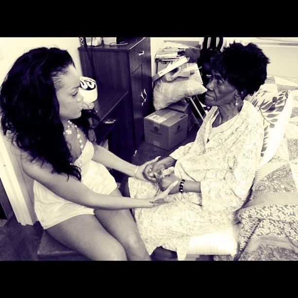 Rihanna perd sa grand-mère adorée