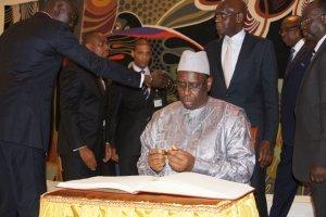 Macky Sall dénonce les ''taux d'intérêt prohibitifs'' des banques