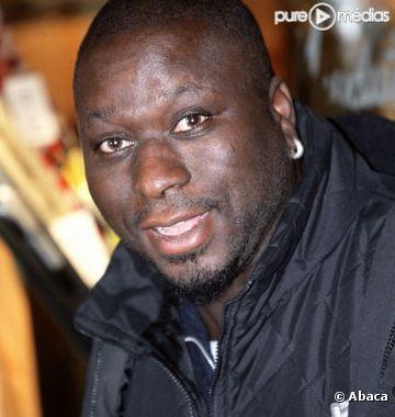 """Assane Sangaré, père adoptif du défunt comédien: """"Le père biologique de Mouss Diouf n'a commencé à s'intéresser à son fils que lorsqu'il l'a vu dans un film"""""""
