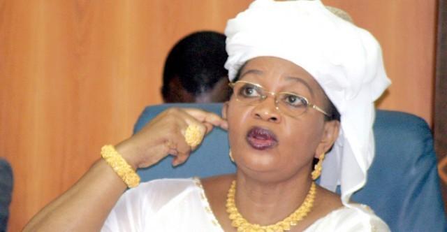 """Aida Mbodji à Macky Sall : """"Il faut utiliser Youssou Ndour pour divertir les gens, pas la justice"""""""