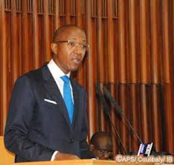 Abdoul Mbaye tape sur la table : « Nous sommes un gouvernement qui n'accepte pas les chantages, d'où qu'ils viennent »