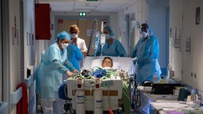 Covid-19 en France: Plus de 30.000 nouveaux cas et 88 morts en 24 heures
