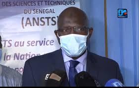 Pr. Pape Salif Sow, expert en maladies infectieuses et tropicales: « Le vaccin contre la Covid-19 marche ! »