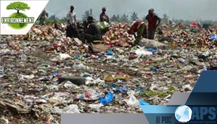 """Environnement: La mauvaise gestion de Mbeubeuss fait perdre à l'Etat """"plus de 85 milliards"""" CFA par an (Coordonnateur UCG)"""