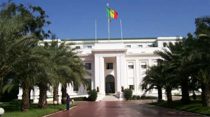 Politisation de l'administration : Comment ils pillent la patrie pour financer le parti ! (SENEWEB)