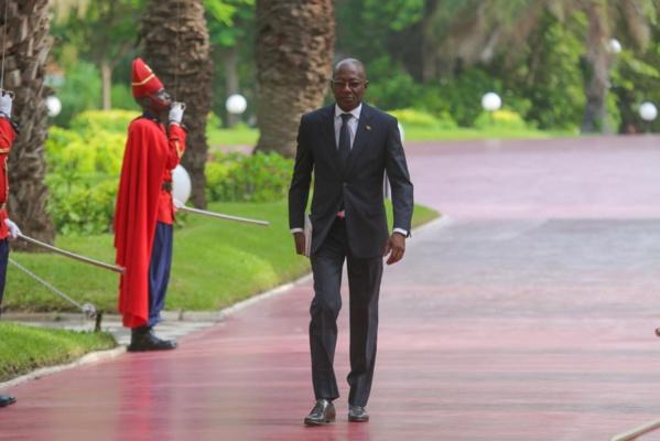 Répartition de services dans les ministères: Le ministre de l'Emploi à la tête d'une coquille vide