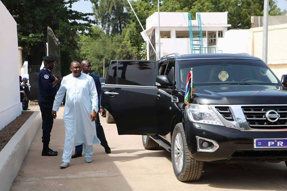 GAMBIE: Le président Adama Barrow rejoint enfin le Palais