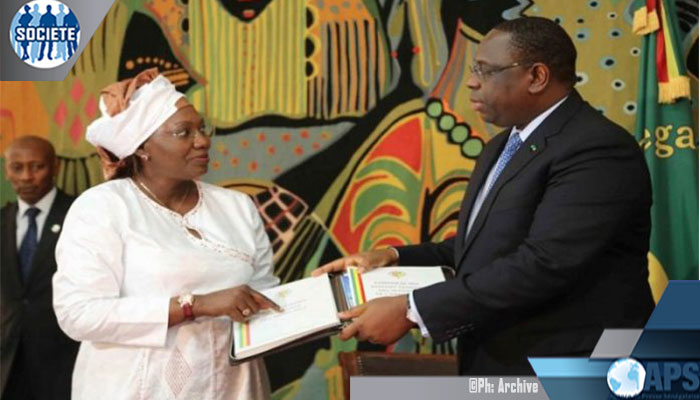 Institution: Macky SALL satisfait du bilan quinquennal du CESE