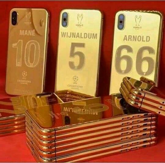 Les vainqueurs de la Ligue des Champions récompensés par le club