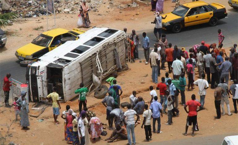 Grave accident entre un camion, un bus Tata et un véhicule particulier à Rufisque…