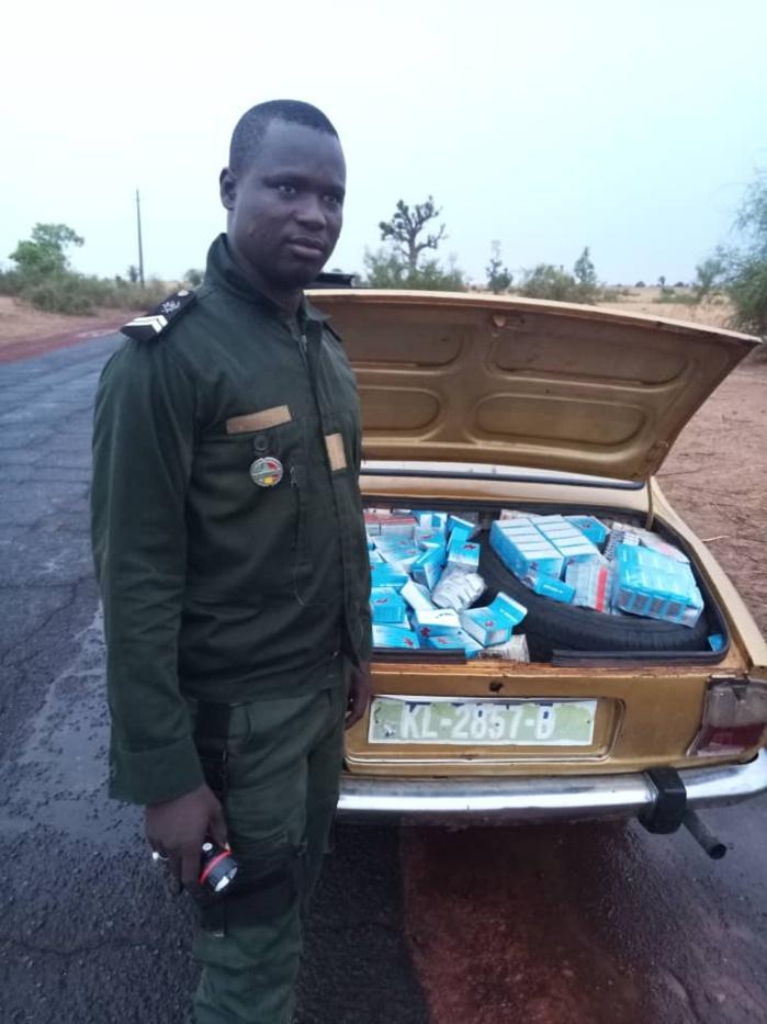 Kaolack-Kaffrine / De la drogue et de faux médicaments d'une valeur de 240 millions CFA découverts par la Douane dans une berline de marque Peugeot 505.
