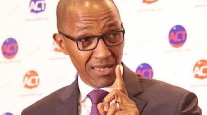 Baisse du prix du pétrole : Abdoul Mbaye pour la révision des tarifs de l'électricité et de l'essence