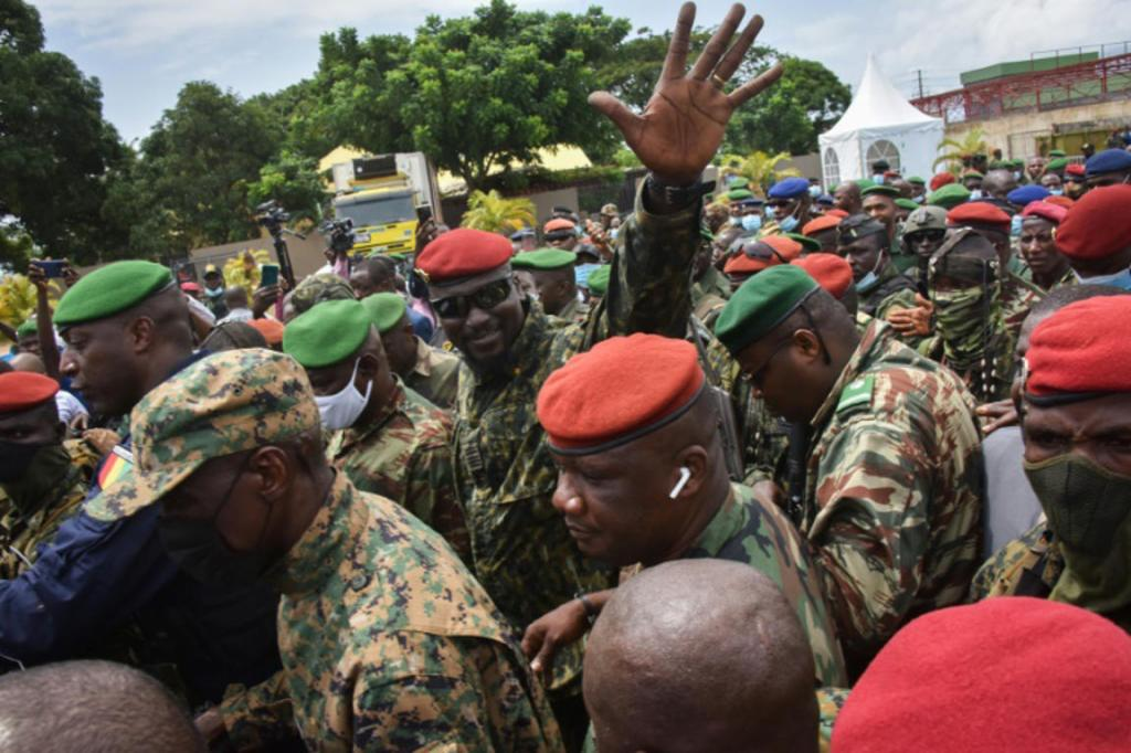 Guinée: les points clés de la charte de la transition dévoilés par la junte