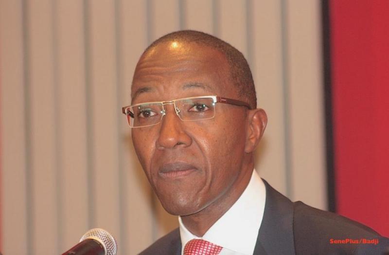 Nouvel pisode abdoul mbaye l 39 ancien pm devant la chambre for Chambre d accusation