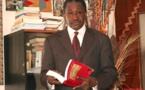 Vidéo: Adama Gaye persiste et signe
