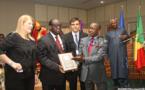 Distinction: Le prix du défenseur de la démocratie de l'action mondiale des parlementaires à Moustapha Niasse