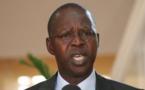 Anticipation la campagne électorale : Dionne tourne en dérision l'image montrant Abdoul Mbaye sortir d'une case