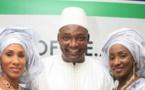 Entrée incroyable du Président Adama Barrow avec ses deux épouses…
