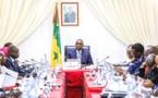 """Dette: Macky SALL appelle à arrêter les """"spéculations"""" sur une prétendu surendettement du Sénégal"""