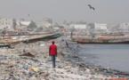 Vidéo de TV5: La mer polluée au Sénégal ! Reportage sur la presqu'île de Dakar.