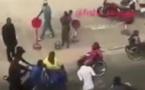 VIDEO: Un homme de tenue malmène des handicapées