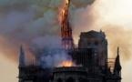L'un des bâtiments de la mosquée Al-Aqsa à Jérusalem a pris feu lundi soir, en même temps qu'un incendie massif a détruit la cathédrale Notre-Dame de Paris