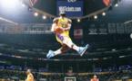 19 ans après, LeBron a copié-collé le dunk de Bryant, pour lui rendre hommage !