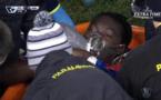 Grosse frayeur en Angleterre: Bafé Gomis s'effondre sur le terrain