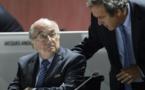 Le foot mondial en plein chaos: Blatter et Platini suspendus par la Fifa pour 90 jours