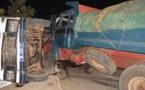 Voici l'accident survenu mercredi, à hauteur de Ouakam, entre un gros-porteur et un Ndiaga-ndiaye