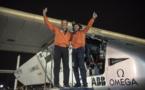 Record: L'avion solaire Solar Impulse 2 boucle le premier tour du monde aérien sans carburant