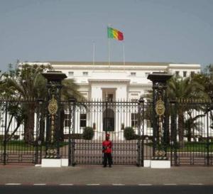 Loi sur le tabac : Macky Sall interdit la cigarette au palais présidentiel