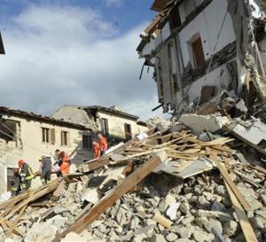 Tremblement de terre: Un séisme de 6 fait au moins 38 morts dans le centre de l'Italie