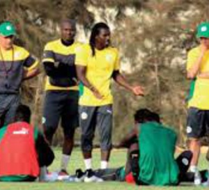 Pléthore de milieux dans la tanière: Casse-tête ou atout pour Cissé ?