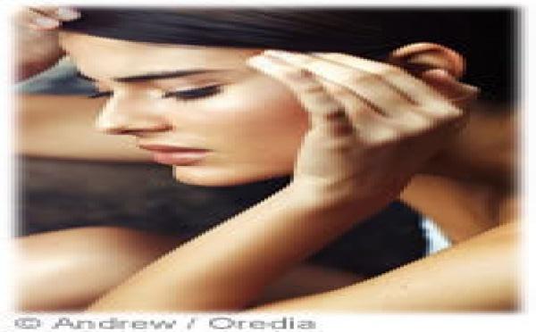 Les femmes négligent trop souvent leur migraine