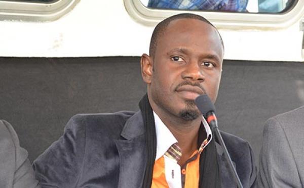 Lancement de son nouvel album Degloul : Baba Hamdy convie la presse nationale à Paris