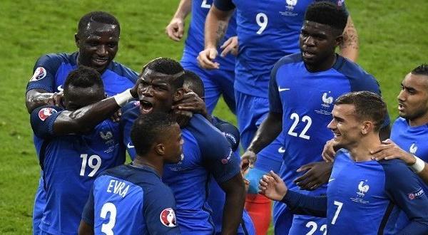 """EURO 2016: Marine Le Pen félicite """"les tirailleurs sénégalais"""" pour leur victoire de la France contre l'Allemagne"""