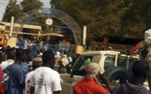 Mali : l'attentat-suicide contre la base militaire de Gao a fait au moins 77 morts