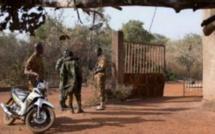 Burkina : Des terroristes attaquent deux postes de police