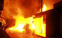 Le marché au poisson de Thiès brûle depuis 6 heures du matin
